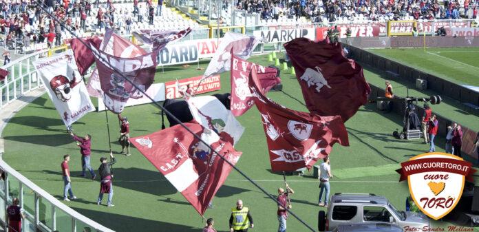 Bandiere Granata allo Stadio Grande Torino